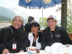 Tom Matano mit Marianne und Frau